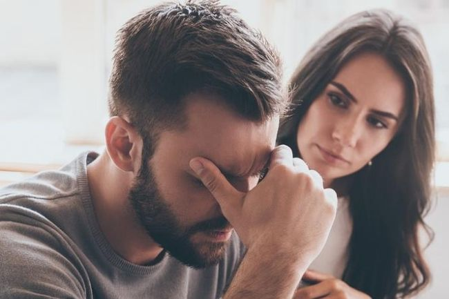 couple-struggling-anxiety