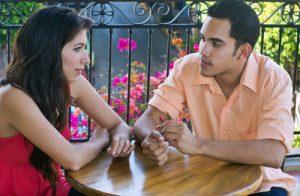 couple_having_serious_conversation