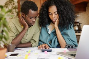 couple-working-on-finances
