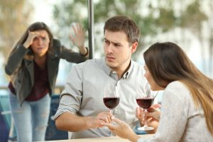 wife-finding-husband-on-a-date-with-another-woman